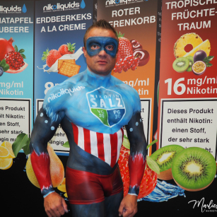 Bodypainting, Marlies Brinker, Messen, nicoliquids, Superman, Fotoshooting, Messe Dortmund, Intertabac
