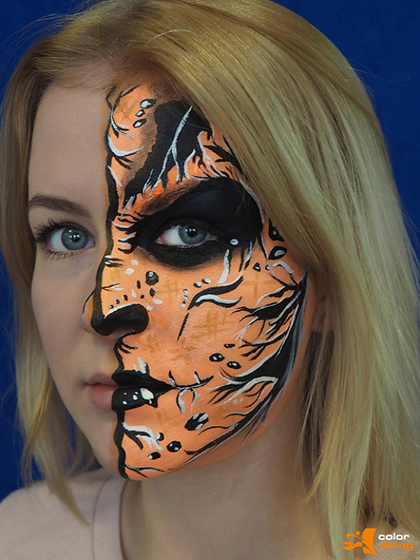 Bodypainting Kurs, Bodypainting Schulung bei Bodypaintingkünstlerin Marlies Brinker, www.color-diving.com