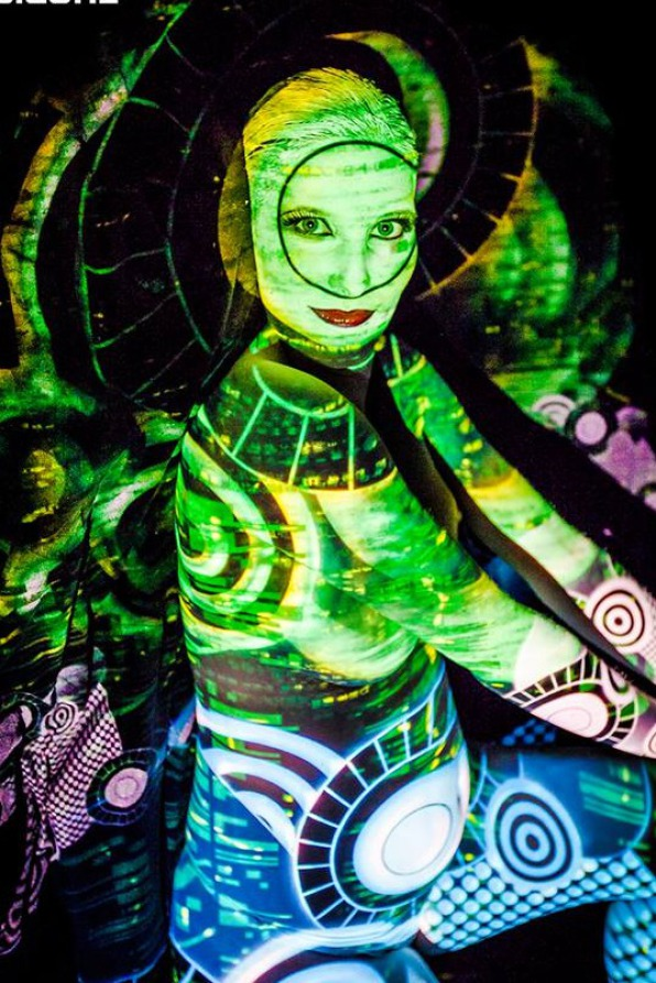 Bodypainting mit Fotoshooting, Bodypainting Messen, Marlies Brinker, www-color-diving.com, Körperbemalung, Kunst, Babybauch Bodypainting