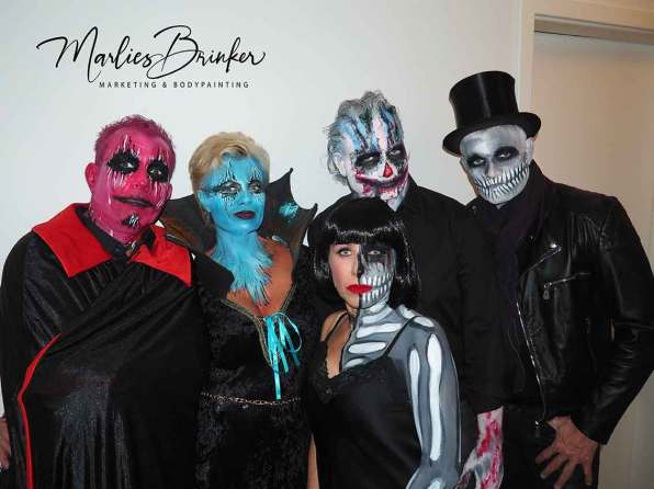 Halloween, Make up, Bodypainting, rot, glitzer, Sterne, beauty, Marlies Brinker, Bodypainting, Messen, Fotoshooting, Jocker, Sekeltt