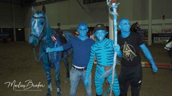Horse painting, Avatar, Pferd anmalen, blau, K+K Cup, Münster, Marlies Brinker, Bodypainting, Pferd anmalen, NRW, Equitana, Aachen, Köln, Veranstaltung, Show reiten,