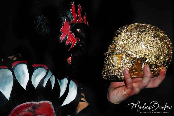 """Sieht nur gruselig aus,  ist es aber gar nicht!!! Bodypainting mit Fotoshooting  """"The Demon King"""" Painting & Foto: Marlies Brinker Model: Michael Eisel Hat soooo viel Spaß gemacht!!!! www.color-diving.com, Bodypainting, Messen, Fotoshooting,"""