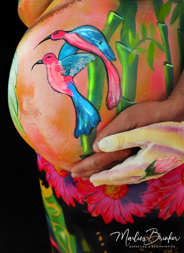 Babybauch Bodypainting mit Fotoshooting, Marlies Brinker, NRW, Bauch bemalen,, bunt, Vögel