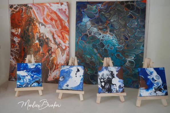 Skulptur, Acryl, blau, orange, Pouring, Marlies, Brinker, Bodypainting, Fotoshooting, Kunst, Pferd, bemalen, Horse, Painting, Farben, Farbemrausch, blau, beste, professionell, kreativ, individuell, Pferdekostüm